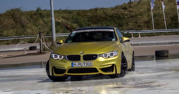 """Schrijf je nu in op de laatste vrije plekken van de training """"BMW Rij-assistentiesystemen op 18 mei."""
